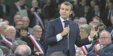 Il faut pragmatiquement améliorer les choses, a déclaré le chef de l'État devant les maires de l'Eure, à Grand Bourgtheroulde, le 15 janvier.
