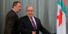 Le ministre russe des Affaires étrangères Sergei Lavrov et son homologue algérien Ramtane Lamamra, lors d'une conférence de presse conjointe, le 11 février 2014 à Moscou.