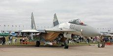 Les Sukhoi Su-35 sont utilisés notamment par les armées de l'air de Chine, d'Indonésie et de l'Algérie.