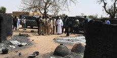 Le président malien Ibrahim Boubacar Keita sur le lieu du drame d'Ogossagou, après l'attaque qui a fait, samedi dernier, 160 morts.
