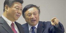 Le président chinois, Xi Jinping (à gauche), ne rate pas une occasion de montrer son soutien à Huawei. Ici, à Londres, en 2015, avec le président du groupe, Ren Zhengfei.