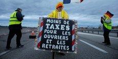 Emmanuel Macron a estimé vendredi que le grand débat lancé pour désamorcer la crise des Gilets jaunes devait déboucher sur un geste en direction des petites retraites.