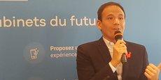 Le secrétaire d'État au Numérique, Cédric O, en visite dans les locaux de la startup Doctolib.