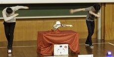 Les élèves peuvent choisir aussi de programmer un ou plusieurs robots pour les faire danser (RoboCupJunior 2018).