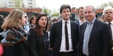 Julien Denormandie, le ministre du Logement et de la Ville (au centre), a déambulé dans le quartier Empalot de Toulouse.