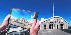 Au Pic du Midi, dans les Pyrénées, les touristes munis d'un HistoPad, une tablette numérique de réalité augmentée, plongent dans la vie quotidienne des premiers scientifiques de l'observatoire, au début du XXe siècle.