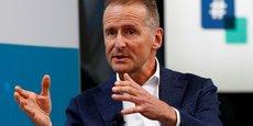Volkswagen traverse une période transitoire qui demande énormément d'investissements dans les nouvelles technologies, explique le PDG du groupe allemand.