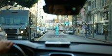 Eyelights permet de projeter le GPS directement sur le pare-brise des voitures.