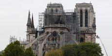 Cette nuit, après de longues heures de lutte, les pompiers de Paris ont réussi à maîtriser l'incendie qui ravageait Notre-Dame. Grâce à leur intervention, la cathédrale ne s'est pas totalement effondrée et la structure de l'édifice a été sauvée.