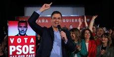 Le chef du gouvernement sortant, Pedro Sanchez, est donné gagnant dans les sondages, mais son parti, le PSOE (socialiste) devra composer pour constituer une majorité. Le mouvement d'extrême droite Vox en pleine ascension devrait s'inviter au Parlement.