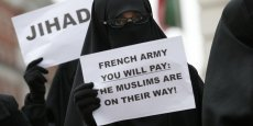 Protestation de militants islamistes contre l'intervention militaire de la France au Mali devant l'ambassade de France à Londres. Copyright Reuters