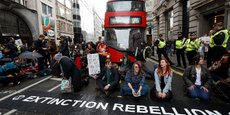 LES MILITANTS D'EXTINCTION REBELLION CIBLENT LA CITY
