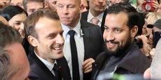 Le président de la République avec son chargé de mission pour la sécurité Alexandre Benalla le 23 juillet 2018, lors du 55e salon de l'Agriculture, Porte de Versailles, à Paris.