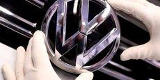 Le nouveau logo de Volkswagen, plus simple que le précédent, symbolise un changement de culture d'entreprise jusqu'ici perçu comme trop hégémonique.