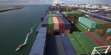Sur l'ensemble du premier trimestre, le déficit de la balance commerciale de biens s'établit à 13,7 milliards d'euros. Ici, le porte-conteneurs Bougainville au port du Havre.