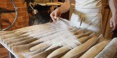 De la farine, de l'eau, de la levure et du sel: la recette est simple mais l'art est difficile pour ce joyau de la gastronomie française qui sera à l'honneur dans le pays lors de la traditionnelle Fête du pain les 13-19 mai et que la France compte inscrire en 2021 au patrimoine mondial de l'Unesco.
