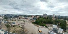 Le futur jardin de l'Ars s'étendra sur cet espace de la Garonne jusqu'à la halle SNCF Gattebourse. La concession BMW (bâtiment noir à gauche) sera déménagée pour libérer l'accès au futur pont Simone Veil.
