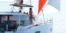 Vue du catamaran à voile Lucia 40 qui va être testé avec le moteur de Volvo Penta.