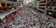 Une marée humaine est descendue dans les rues de Hong Kong pour protester contre un projet de loi controversé visant à autoriser les extraditions vers la Chine.