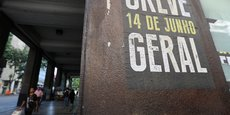 BRÉSIL: GRÈVE DANS LE SECTEUR PÉTROLIER CONTRE LA RÉFORME DES RETRAITES