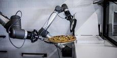Le robot de Pazzi propose une personnalisation des pizzas, à la demande, sur une combinaison de plus de 5 millions de recettes, selon le communiqué de presse.