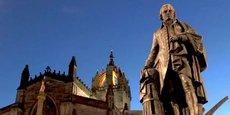 La statue d'Adam Smith, à Edimbourg