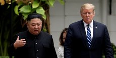 Prenant la parole devant les journalistes, le président américain a annoncé qu'il avait invité M. Kim à se rendre aux États-Unis, mais sans préciser de date. Cela se fera un jour ou l'autre, a-t-il simplement remarqué.
