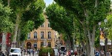 Le cours Mirabeau à Aix-en-Provence où se tiennent chaque été les rencontres économiques.