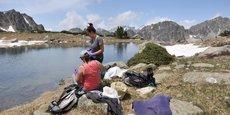 Les chercheurs veulent évaluer la pollution sur les écosystèmes des petits lacs de montagne.