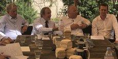 De gauche à droite : le co-fondateur de Woodeum Philippe Zivkovic, le président-fondateur du groupe Altarea Cogedim Alain Taravella, le co-fondateur de Woodeum Guillaume Poitrinal et le nouveau président du directoire de Woodeum Julien Pemezec.