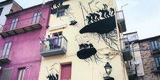 Cet été, des grands noms du « street art » réaliseront des fresques sur les façades nazairiennes. Ici, une œuvre de David de la Mano.