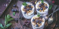Les yaourts au lait végétal cartonnent auprès des consommateurs, mais aussi des chefs qui les ajoutent désormais volontiers à leur carte.