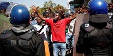 L'OPPOSITION ZIMBABWÉENNE ANNULE UNE MANIFESTATION À HARARE
