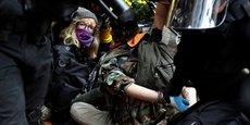PORTLAND: FACE-À-FACE ENTRE EXTRÉMISTES DE DROITE ET ANTIFASCISTES, 13 ARRESTATIONS