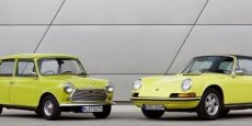 Mini et Porsche 911 Copyright BMW