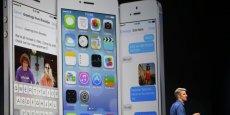 Craig Federighi, le responsable des logiciels d'Apple, dévoilant iOS 7 à la conférence WWDC. Copyright Reuters