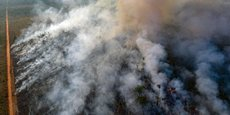 Dans l'Etat du Mato Grosso, au Brésil, la forêt amazonienne en feu le 25 août 2019, vue depuis des drones.