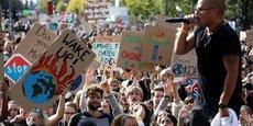 Ce vendredi 20 septembre à Berlin (Allemagne) des étudiants et des écoliers participent à la grève mondiale des vendredis pour le climat.