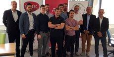 Les représentants des cinq startups lauréates entourés de Stéphane Rochon, directeur général et responsable accompagnement d'Unitec, Philippe Saïd, président du Comité régional olympique et sportif, et Mathieu Hazouard, conseiller régional délégué en charge de l'économie numérique et du très haut débit.