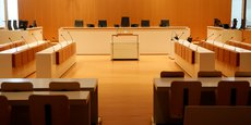 La salle du tribunal correctionnel de Paris avant l'ouverture du procès aujourd'hui.