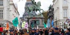EXTINCTION REBELLION MANIFESTE À BRUXELLES, PRÈS DE 300 ARRESTATIONS
