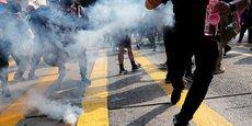 HEURTS ENTRE FORCES DE L'ORDRE ET MANIFESTANTS À HONG KONG