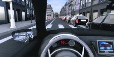 L'immersion s'opère à l'aide d'un casque de réalité virtuelle, d'un volant et d'un pédalier issus du commerce informatique grand public.