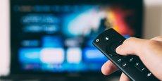 Dans un contexte de pandémie mondiale qui a accéléré les nouveaux usages numériques dont celui de la vidéo à la demande, les pionniers Netflix et Amazon Prime Video ont été rejoints dans la bataille par une floppée de nouveaux acteurs aux dents longues, de Disney+ à HBO Max (WarnerMedia), en passant par Peacock (NBCUniversal), Apple TV+, et les petites bouchées de Quibi.