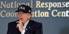Donald Trump, le 1er septembre 2019, au siège de l'Agence fédérale des situations d'urgence, venu s'informer de l'évolution des dégâts créés par l'ouragan Dorian.