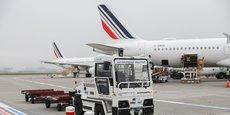 Air France teste à Toulouse un tracteur à bagages autonome.