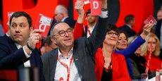 LE SPD PROLONGE SON BAIL AU SEIN DE LA COALITION AVEC LA CDU