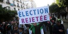 Ce jeudi 12 décembre, à Alger, se déroule une manifestation rassemblant des dizaines de milliers de manifestants pour rejeter l'élection présidentielle.