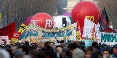 Paris, le 10 décembre 2019. Les syndicats et travailleurs en grève défilent lors d'une manifestation contre la réforme des retraites.