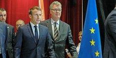 Emmanuel Macron a toujours su cajoler sa droite… Ici, en compagnie du haut-commissaire aux retraites démissionnaire et ancien ténor de la chiraquie, Jean-Paul Delevoye, en octobre dernier à Rodez.